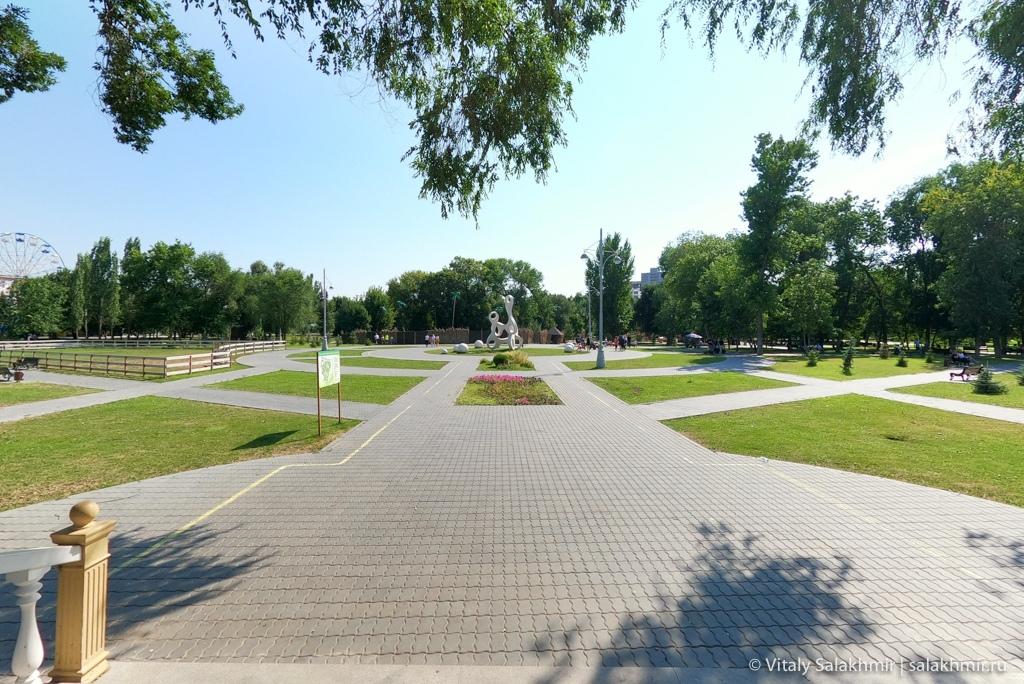 Панорама парка в Энгельсе, путешествие в Энгельс 2020