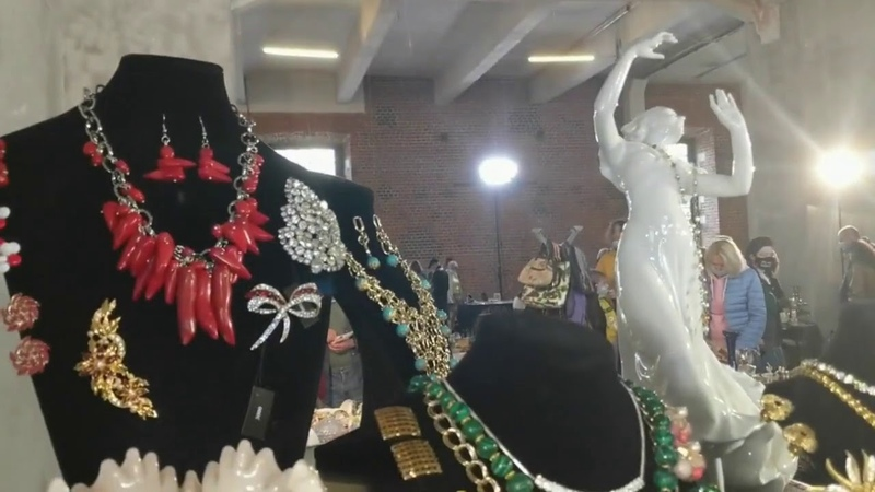 Удача Блошиный рынок в Москве Антиквариат Популярная в 60 х бижутерия Sarah Coventry