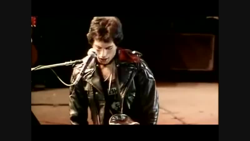 Queen Don't Stop Me Now Official Video