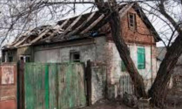 В Горловке БПЛА скинул несколько гранат на жилой дом