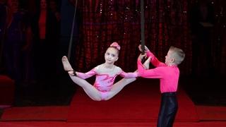 Aerial gymnastics  Dnepropetrovsk Воздушные гимнасты из Полтавы  Тимур Морозов и Мария Малыч