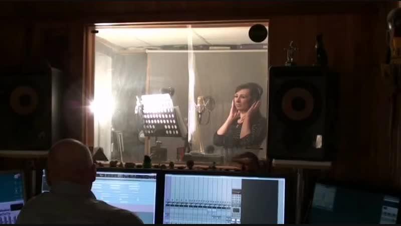 Сегодня чуть не устроили Тимуру потоп в студии Записывали новую песню Эпизод и не эпизодически плакали Сильна та песня что