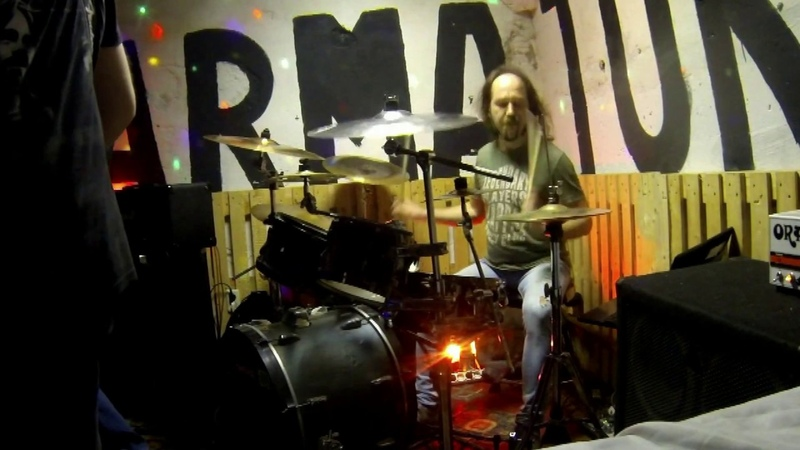 ALIEN GARDEN band excerpts from the live in Armatura Punk Club