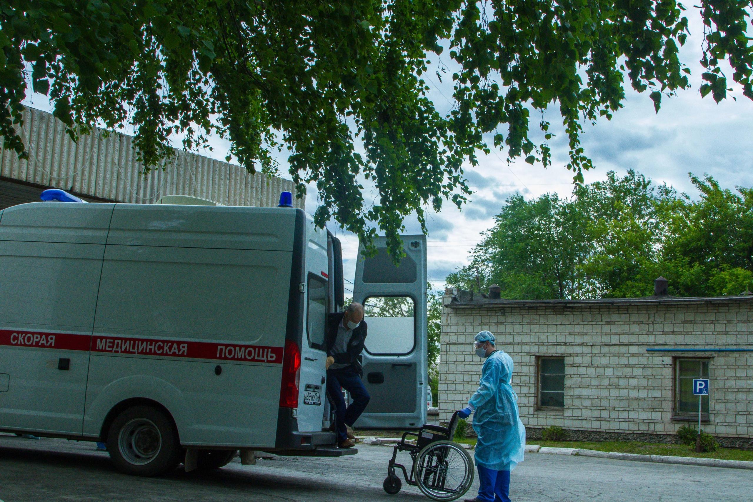 фото «Просто поменяли диагноз!»: заболевшему медработнику из Новосибирска отказали в коронавирусной выплате 5