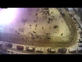 Салют-фейерверки полетели в людей на детской площадке  Нижний Новгород, ЖК Высоково