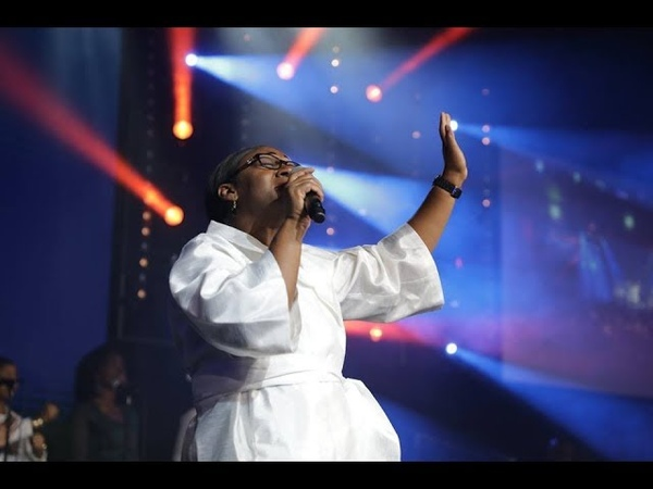 TU ES MA FORCE / JE LÈVE MES MAINS / JE VEUX T'ADORER | Impact Gospel Choir - Crina Tokoto