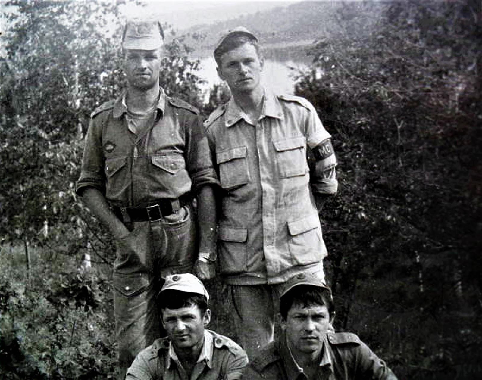 В верхнем ряду слева Илюхин Николай