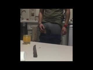 Пьяная шлюшка отсосала у друзей порно анал секс минет