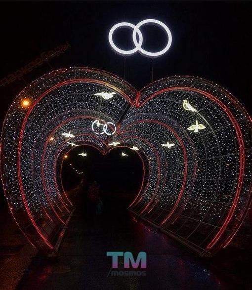 Тоннель влюбленных на поклонной горе