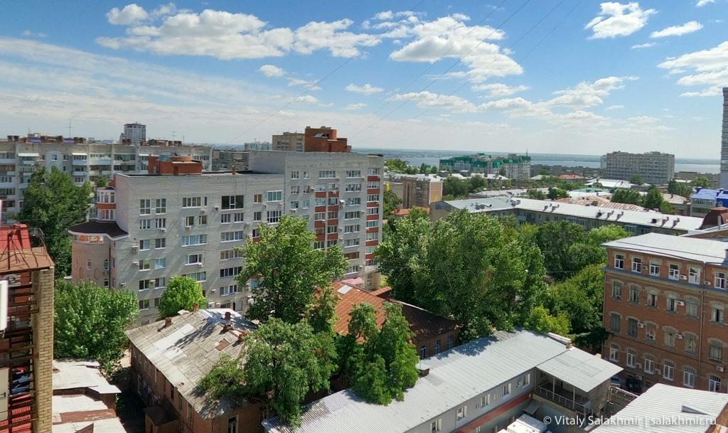 Вид на Волгу из центра Саратова 2020