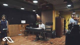 Anyasa & Isheeta Chakrvarty - Rasiya (Live)