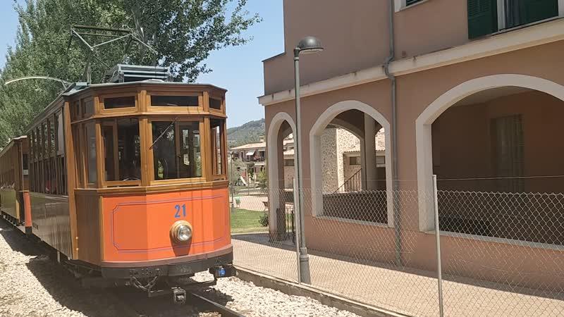 Легендарный поезд Пальма-Сольер