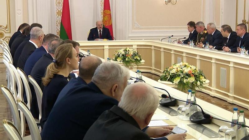 Лукашенко о закрытии для въезда границ Беларуси никакой политики здесь нет это временное решение