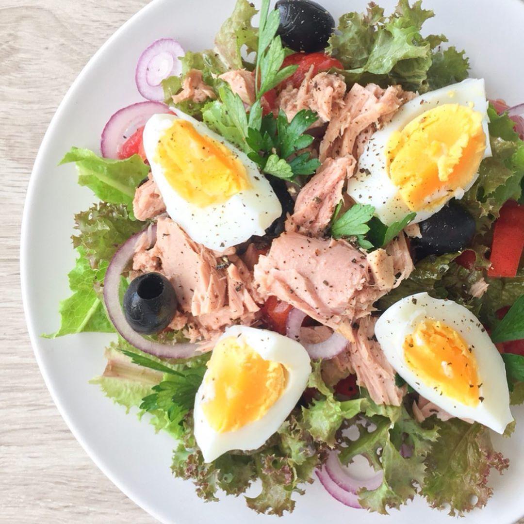Подборка салатики с тунцом на ужин