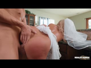 Candice Dare [REALITYKINGS_cumshot_blowjob_handjob_anal_ass_booty_porn_sex_fuck_brazzers_tits_boobs_milf_ babes_skeet]