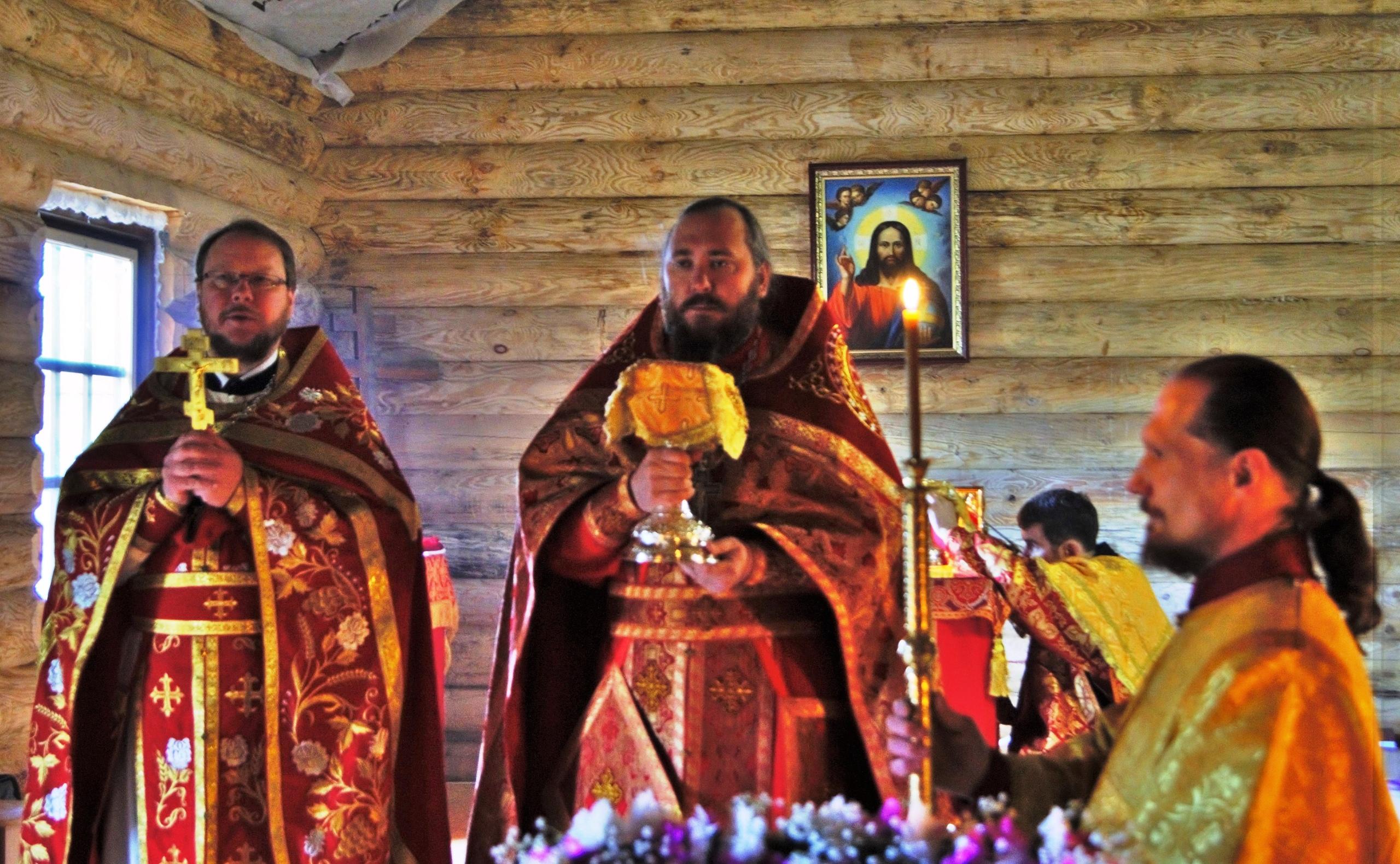ПЕРВЫЙ ПРЕСТОЛЬНЫЙ ПРАЗДНИК В КОБРАЛОВО