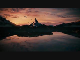 Cтилизованная заставка кинокомпании Paramount Pictures для начала фильма