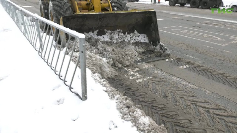После зимних осадков улицу Стара Загора приводят в порядок в рамках контракта жизненного цикла