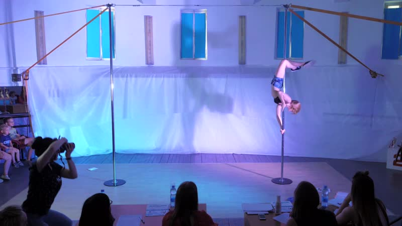 Ланцова Алина Pole Dance kids 8 13 3 место любители кубок Creative Gallery 2019
