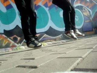 Тёма Андреев  и Макс Волков челкастые танцуют  драм степ.Старались хЗ