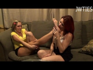Taylor Raz Has Ticklish Feet