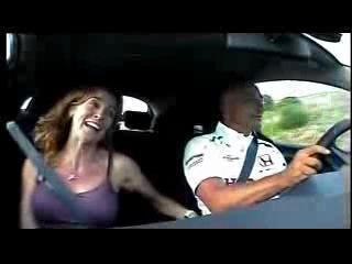 Р.Патрезе тестирует Honda Civic Type R, решил за одно прокатить жену )