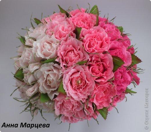 Цветы из конфет и гофрированной бумаги роза