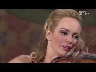 Violinist Caroline Campbell LIVE - Carol of the Bells - Hollywood inspired!