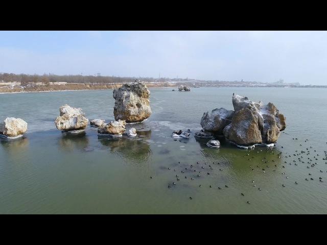 Крымъ 4K: Скалы въ бухтѣ Заколдованныхъ животныхъ