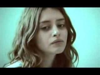 Ariadna Cabrol en EL REGALO 'nunca lo olvides'