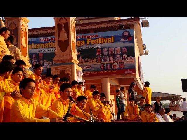 Parmarth niketan shiv mahimna stotra 8th april 2014