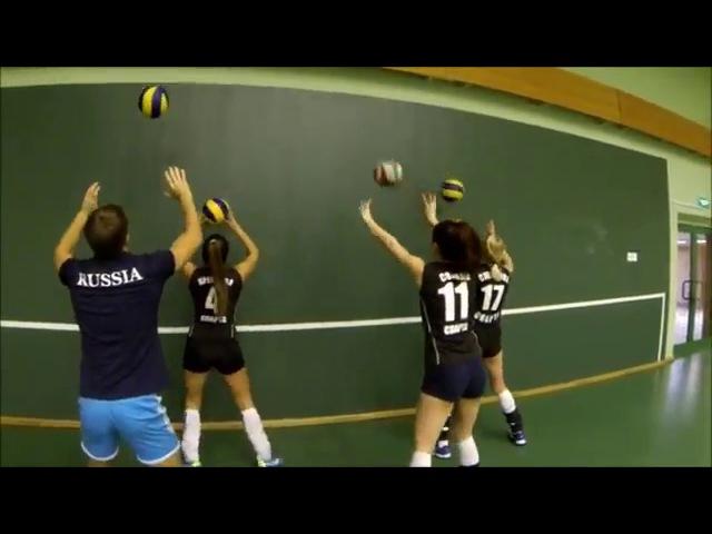 Обучение волейболу/ индивидуальные упражнения/ упражнения на координацию » Freewka.com - Смотреть онлайн в хорощем качестве