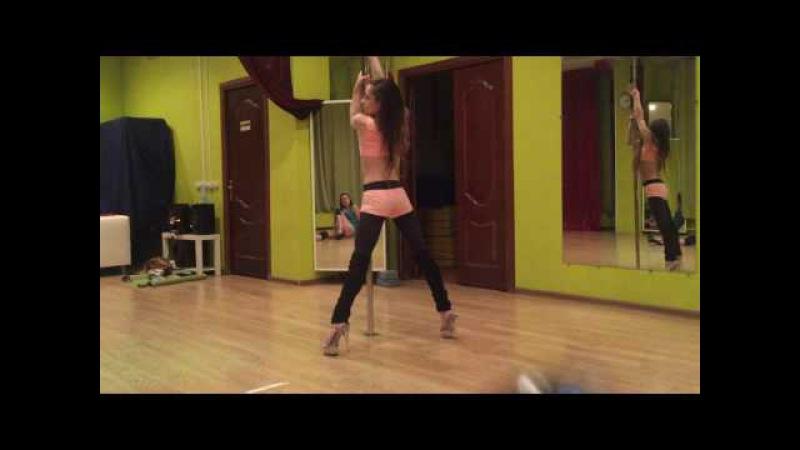 тренировка pole dance exotic в студии MajeStick Ольга Thais