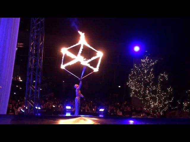 Jacek Witkowski Fire Cube in Show Drumatical Theatr POLARIS