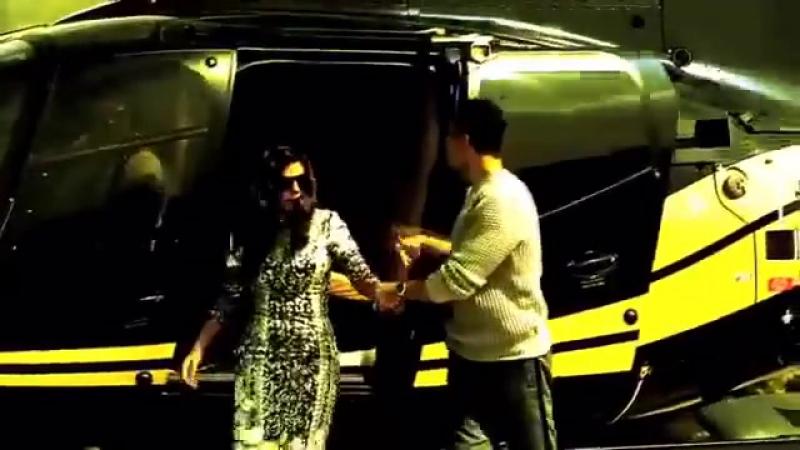 Торжественный вход Акшай Кумара и Нимрат Каур в Bigg Boss 9 Дом!