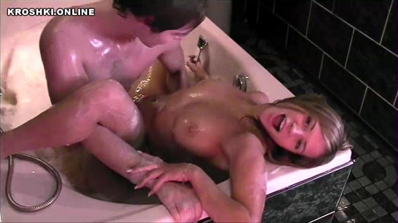 брат отадрал в ванной подружку сестры (гена порно, японская