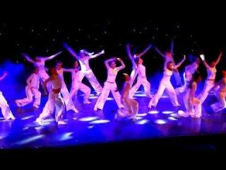 """группа детей из Набережных Челнов на концерте Attention. Шоу балета Аллы Духовой """"ТОД..."""