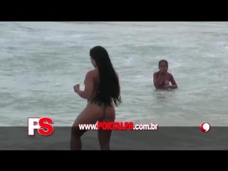 PORTAL PS - Mulher Melão paga peitinho na praia | Brazilian Girls