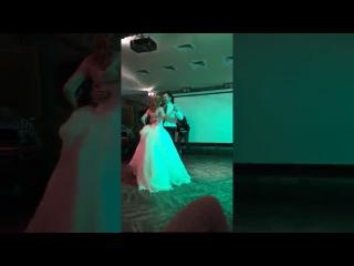 """Прекрасный свадебный танец жениха и невесты. Студия """"Алые паруса"""""""