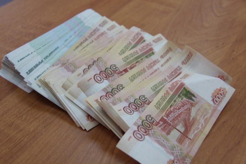 Томичка получила более 1,6 млн руб зарплаты за фиктивных медработников
