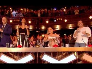 Sarah Ikumu Gets Simon Cowell GOLDEN BUZZER   Ep 01   Britain's Got Talent 2017