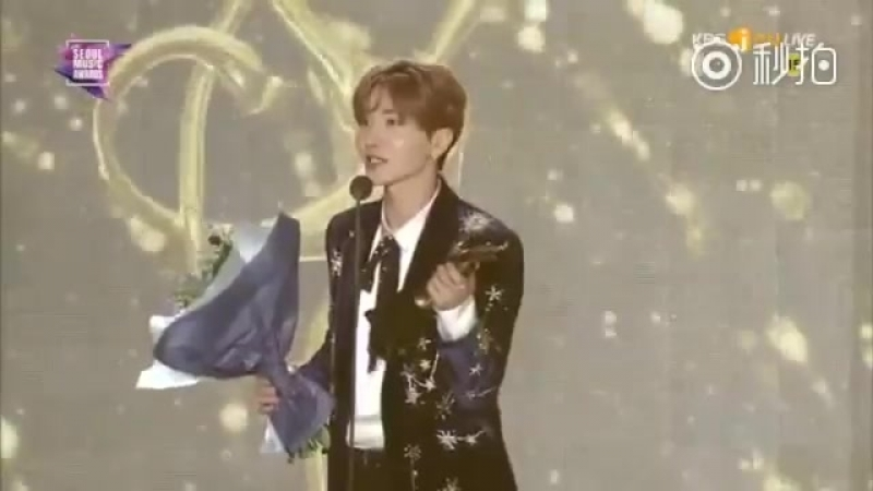 CUT 180125 Seoul Music Awards Kwave Popularity @ Leeteuk speech for EXO's Winner