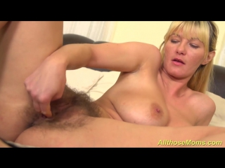Extreme_hairy_mom_alone_at_home_720p