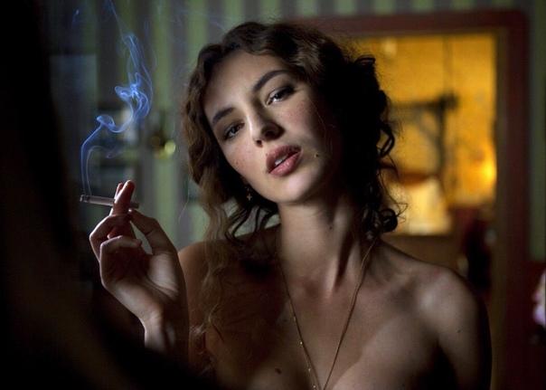 neobichaynie-priklyucheniya-adel-porno-dlinnonogie-krasavitsi-eroticheskoe-foto