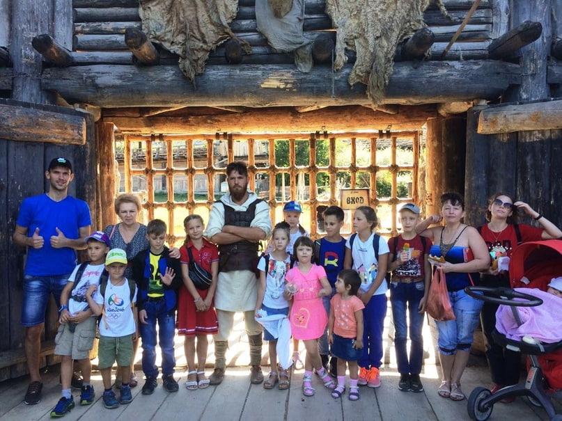 Благодаря Отелю «Ялта-Интурист» дети из воскресных школ Крыма посетили кинопарк «Викинг»