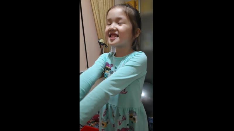 5 жас Аянат