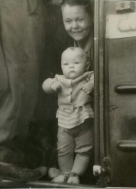 Город Пермь 1966 год Проводы бабушки Мне 1 год