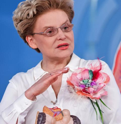 Елена Малышева начала марафон похудения к Новому году.