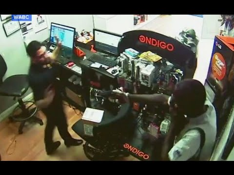 Robbers Trapped by Clever Clerk CAUGHT ON TAPE