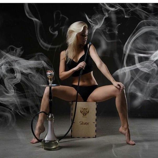 Sexy Smoking Girls
